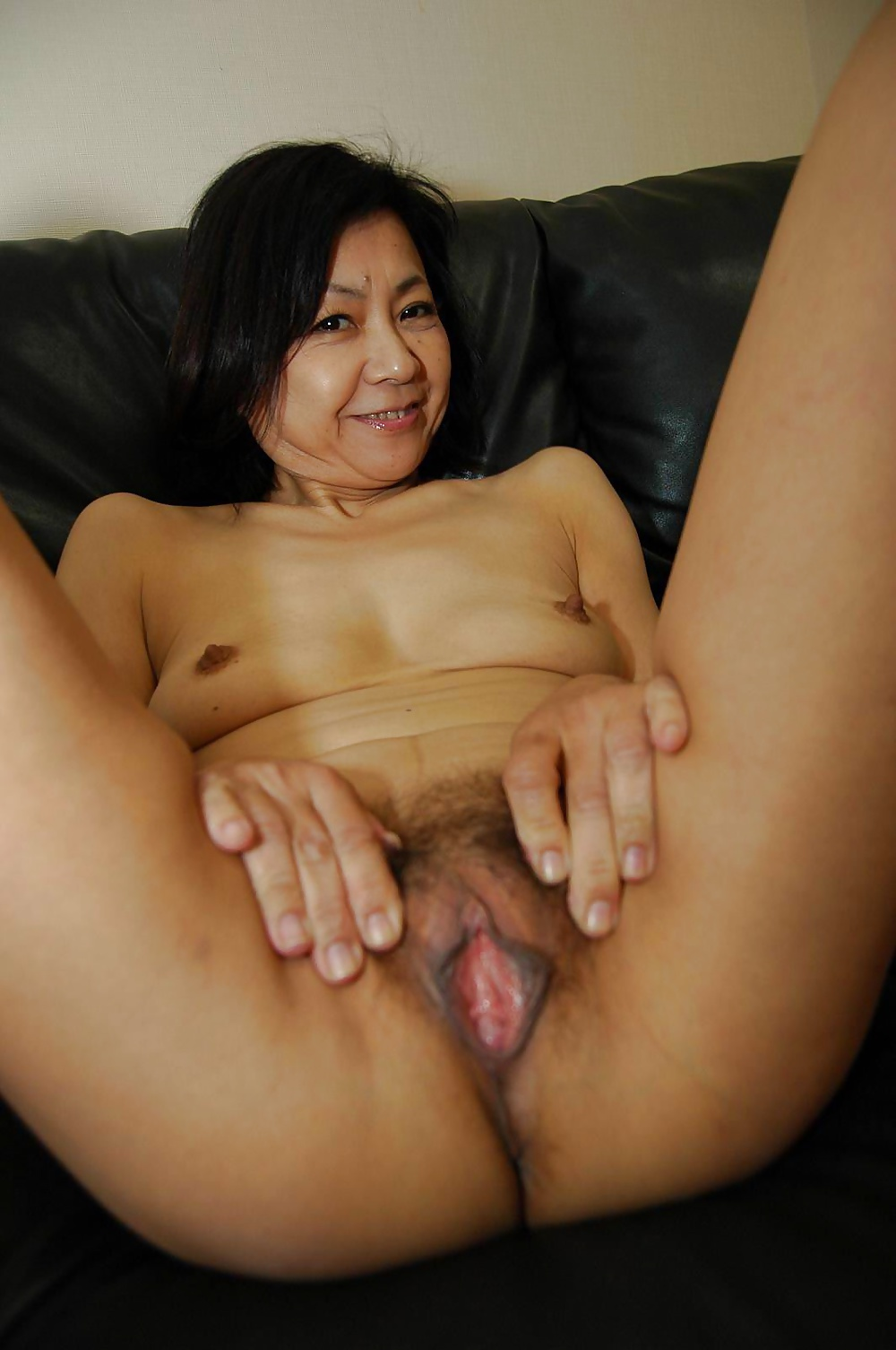 smotret-babushka-yaponskie-erotika