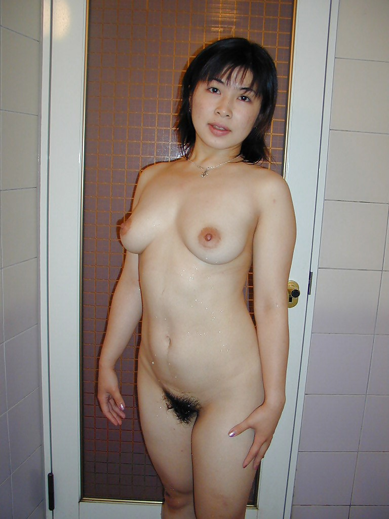 Amateur naked asian girl nude